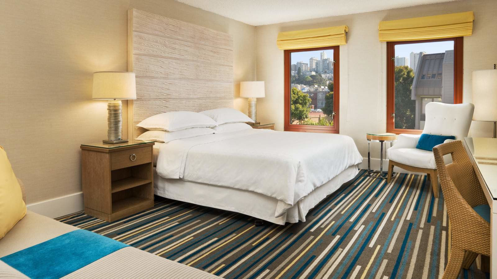 Traditional Guestroom at Sheraton Fisherman's Wharf